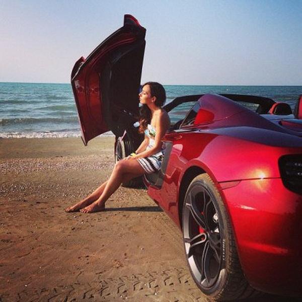 Алсу отмечает юбилей на каспийском побережье в Баку – ОБНОВЛЕНО - ФОТО