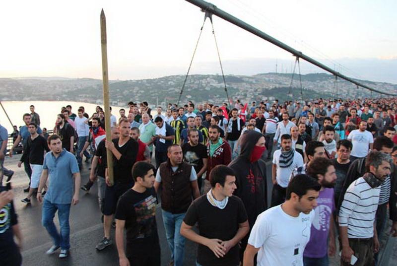 Беспорядки в Турции: пострадали более 3 тысяч человек - ОБНОВЛЕНО - ФОТО - ВИДЕО
