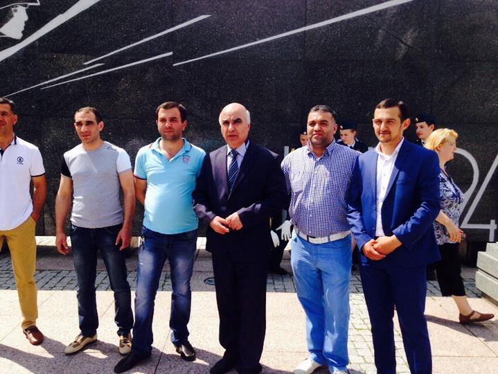 Азербайджанцы Нижнего Новгорода провели день памяти и скорби - ФОТО