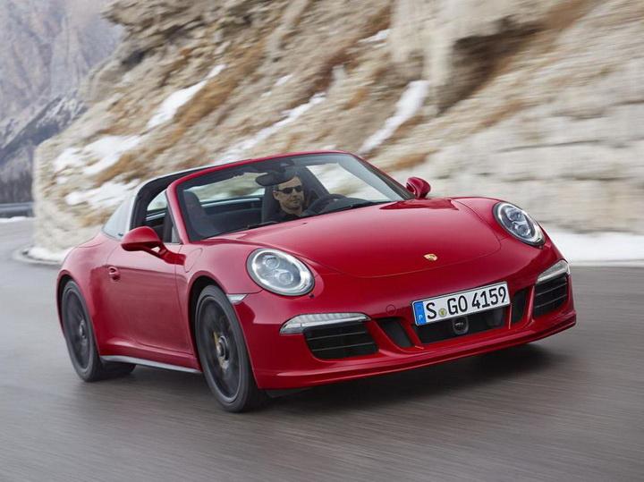 "Тарге Porsche 911 слегка добавили ""лошадей"" - ФОТО"