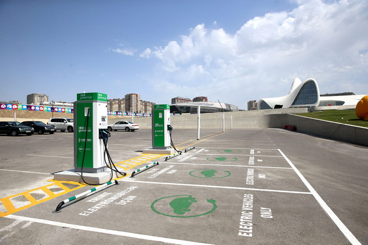 В Азербайджане началась установка станций для зарядки электромобилей - ФОТО