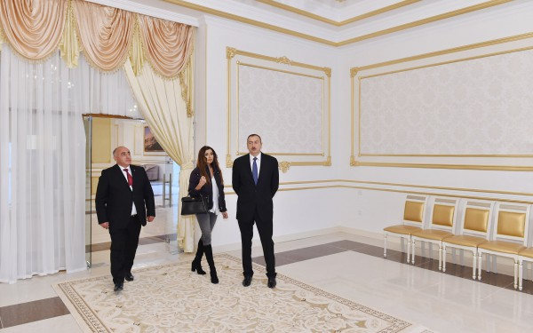 Поездка Президента Ильхама Алиева и его супруги Мехрибан Алиевой в Гянджу, Геранбойский, Дашкесанский районы и Нафталан - ОБНОВЛЕНО - ФОТО