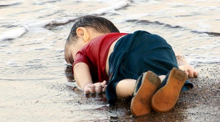 Душераздирающее фото, потрясшее миллионы людей во всем мире - ФОТО