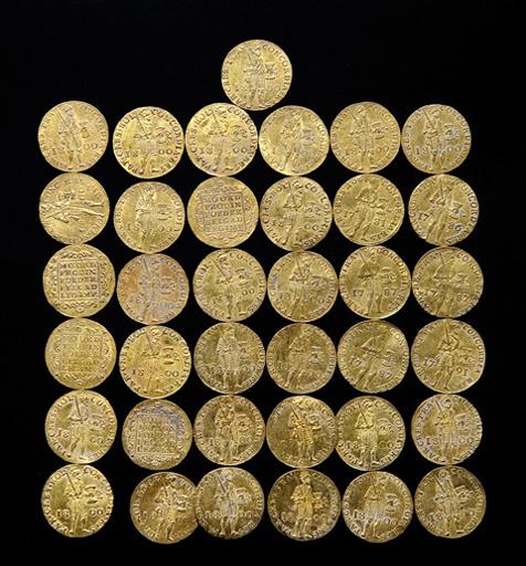 древние золотые монеты фото блок-хауса лиственницы