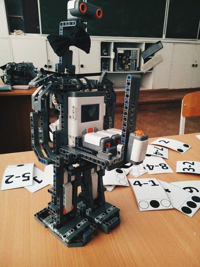 Активистка АМОР из Кургана - вундеркинд по робототехнике - ФОТО