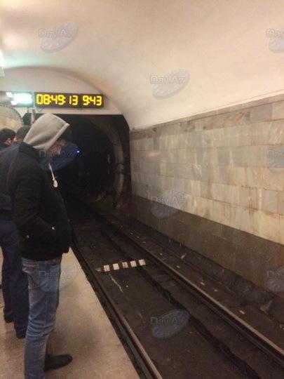 В работе бакинского метро произошел сбой - ОБНОВЛЕНО - ФОТО