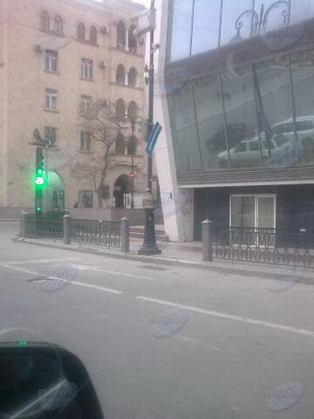 На бакинских улицах появился интересный дорожный знак - МОБИЛЬНЫЙ РЕПОРТЕР – ФОТО