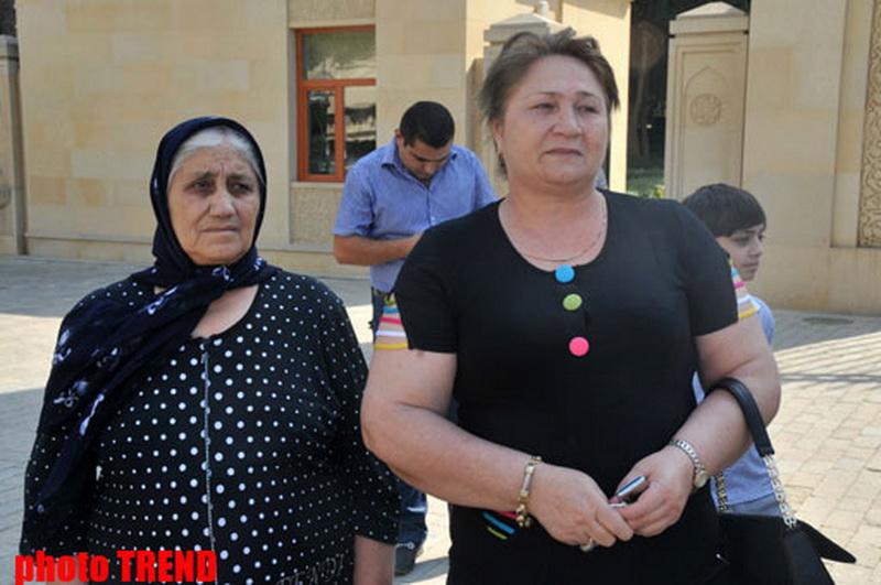 Рамиль Сафаров посетил могилу Общенационального лидера Гейдара Алиева и Аллею шехидов - ОБНОВЛЕНО - ФОТО