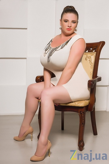 Украинка показала миру свою огромную грудь - ФОТО