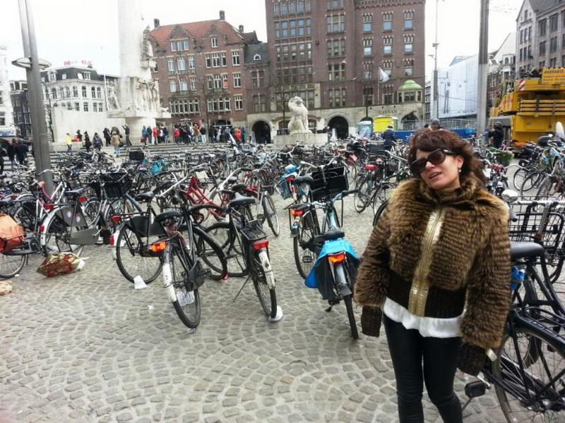 Как развлекалась Саида Султан в Германии? - ФОТО