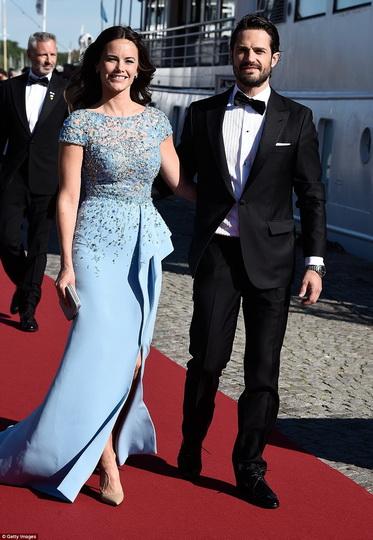 Шведский принц женится на бывшей звезде реалити-шоу - ФОТО