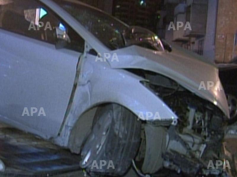 В Баку Hyundai врезался в салон красоты - ФОТО