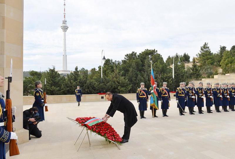Президент Азербайджана почтил светлую память шехидов - ОБНОВЛЕНО - ФОТО