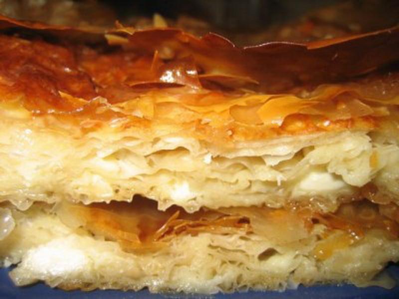 Баница: слоеный пирог с творогом - ФОТО