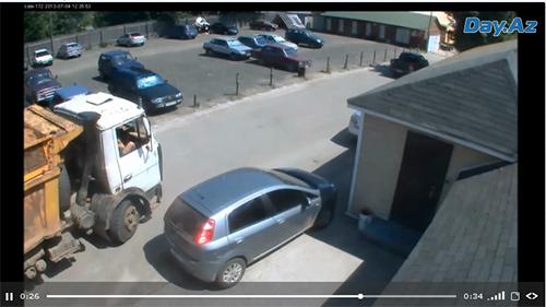 Грузовик протаранил несколько автомобилей - ВИДЕО