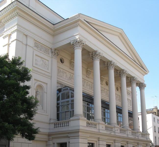 Интересные факты из истории лучших театров мира - ФОТО