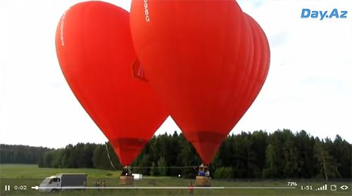 """Необычный """"танец"""" воздушных сердец - ВИДЕО"""