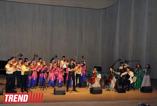 Александр Рыбак дал сказочный концерт в Центре Гейдара Алиева - ФОТО