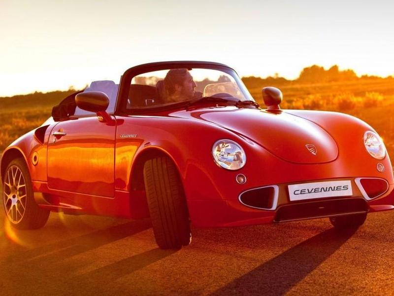 Французский ретро-кар получил турбомотор от BMW - ФОТО