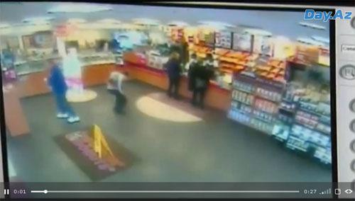 Женщина перепутала педали и врезалась в магазин - ВИДЕО