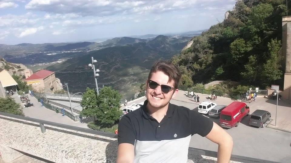 Один из нас: Как молодой азербайджанец открыл свой бизнес в Барселоне - ФОТО