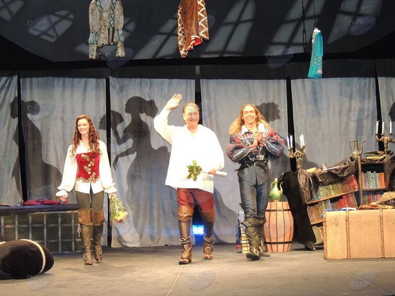 Дон Жуан на новый лад: Человек-амфибия снова удивил Баку – ФОТО - РЕПОРТАЖ