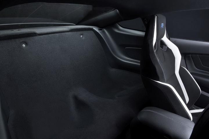В Детройте дебютировал самый экстремальный Ford Mustang - ФОТО