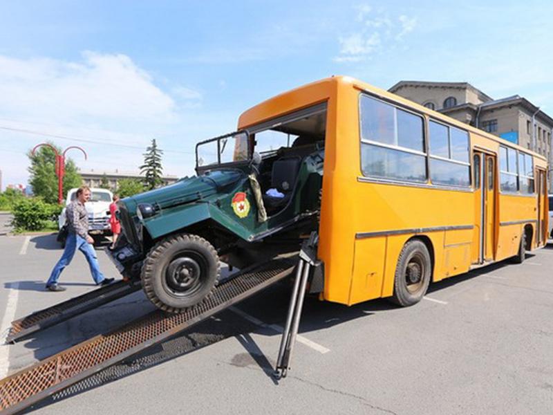 vsyu-potrogal-v-avtobuse-stroynie-russkie-lesbi-lyubyat-v-popku