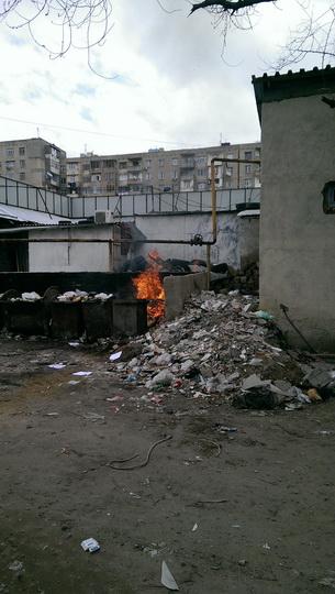 В Баку устроили поджог прямо под газовой трубой - ФОТО